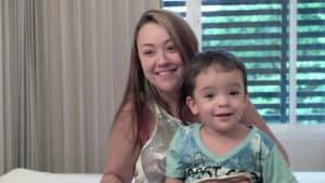"""El tratamiento con células madre de espina bífida brinda mejoras """"innumerables"""" para Matheus"""